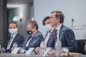 COVID-19: le Comité de concertation effectue une évaluation intermédiaire et confirme les règles en vigueur