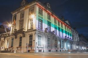 IDAHOT : Le 16 Rue de La Loi se pare des couleurs de l'arc-en-ciel