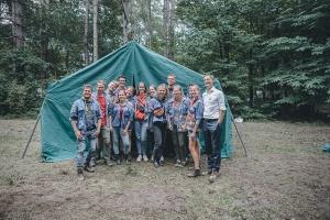 Eerste Minister en Vlaams Minister van Jeugd openen kampzomer