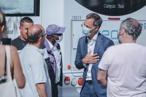 Eerste Minister bezoekt Vacci-bus in Sint-Gillis