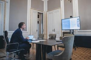 Le Premier ministre De Croo s'entretient avec les bénévoles de Tele-Onthaal et Télé-Accueil sur l'impact de la pandémie sur le bien-être mental